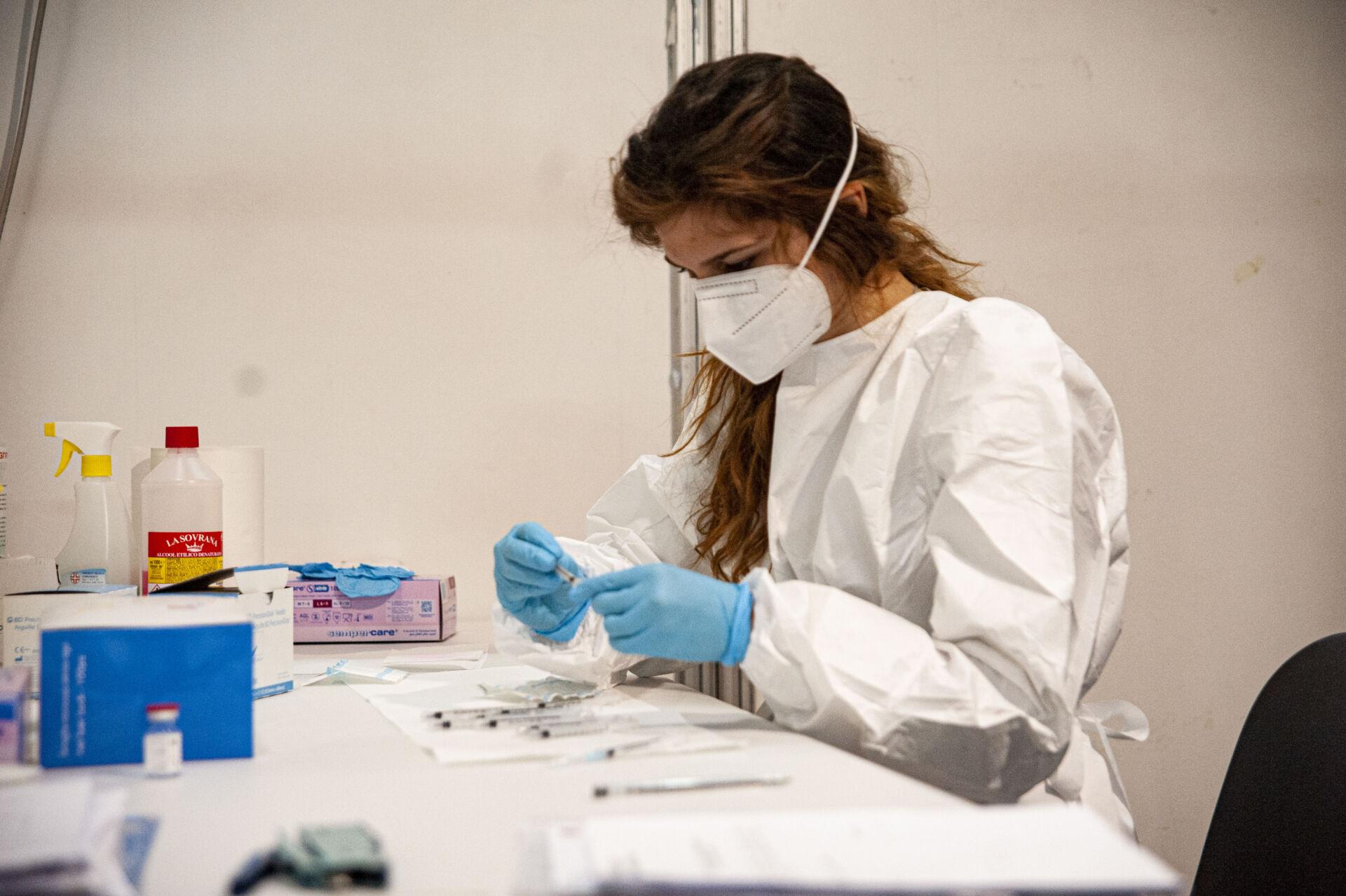 Campagna vaccinale Unimol ph.Mariano Faenza
