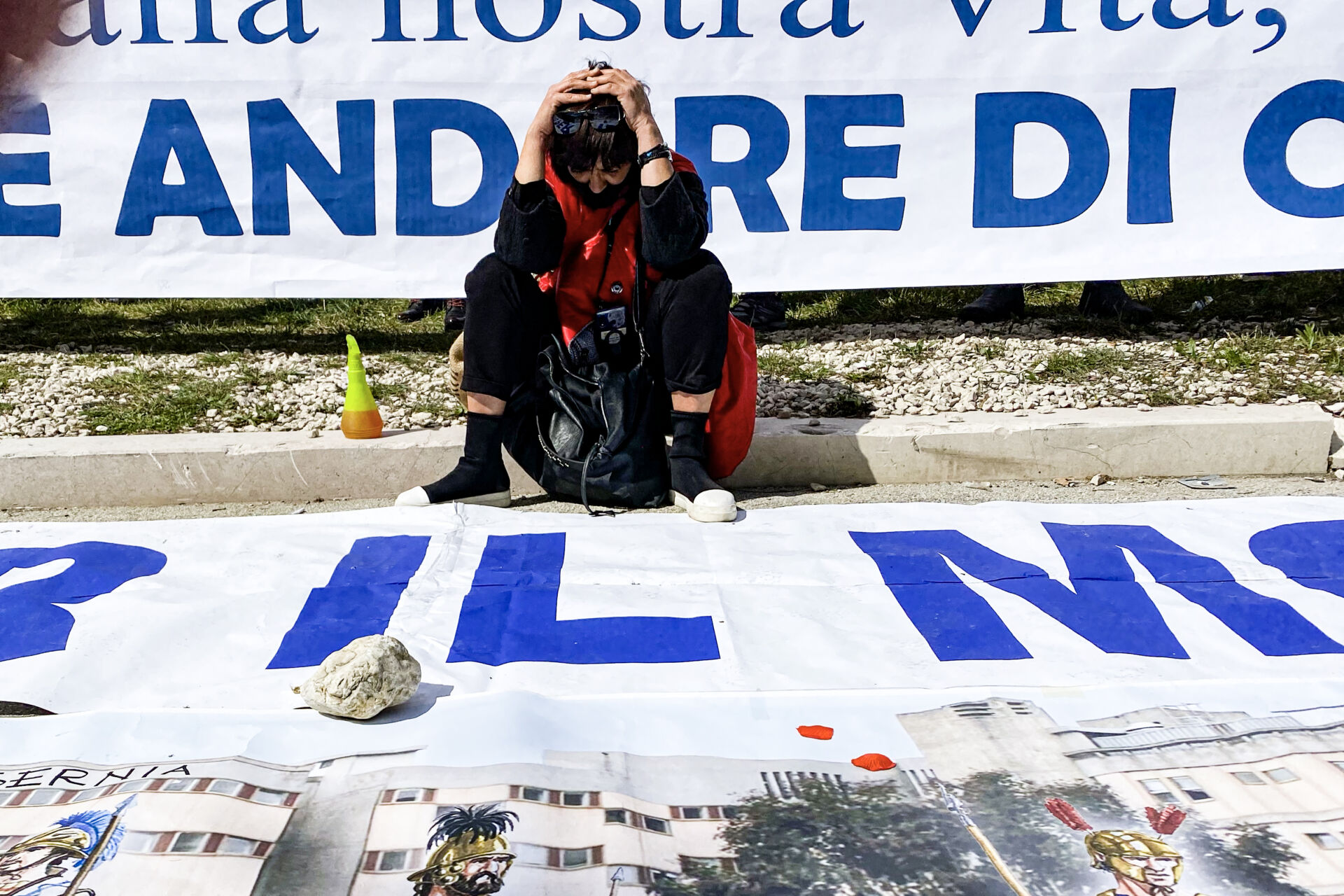 Presidio per la sanità davanti consiglio regionale Molise ph.Mariano Faenza